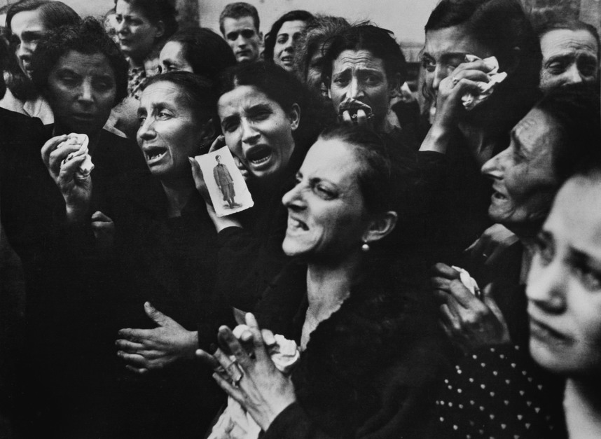© Robert Capa, 1943