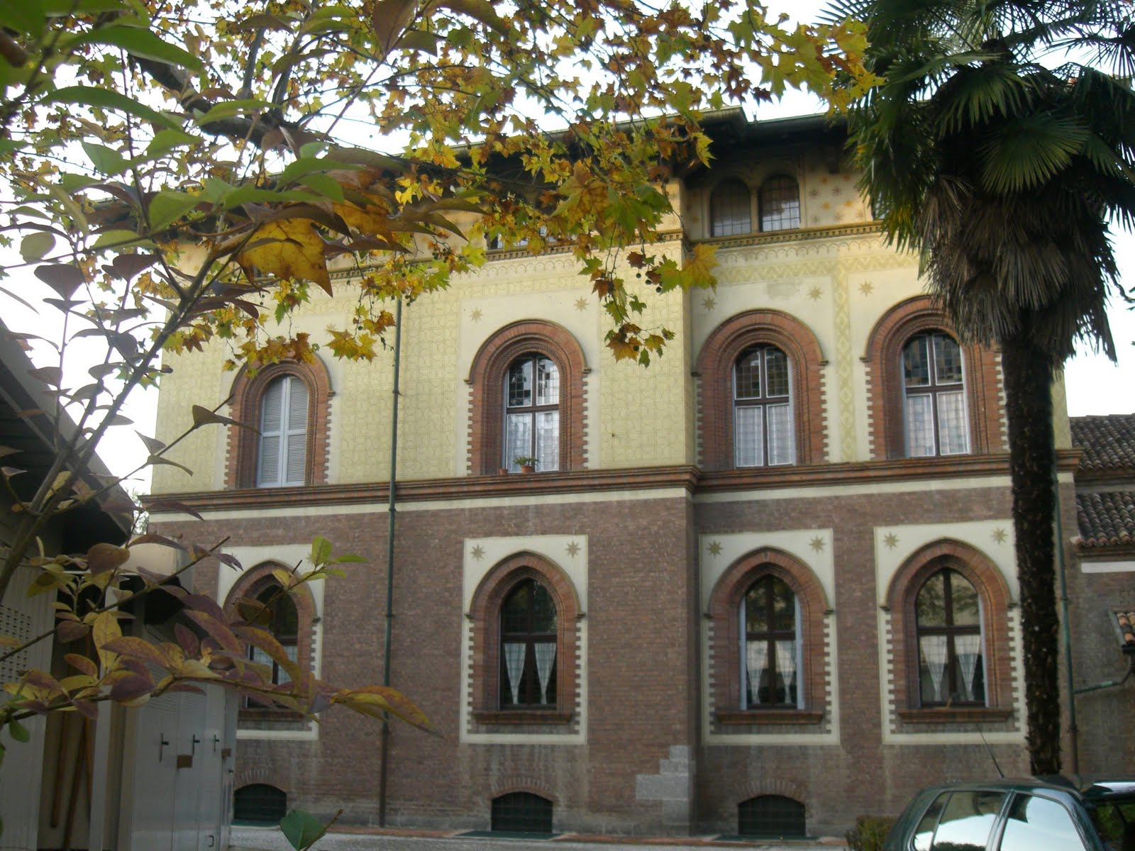 La chiesa-palazzina di San Siro alla Vepra, ovvero la Villa Triste di Milano, in via Paolo Uccello. In questo luogo Pietro Koch e i suoi rinchiusero e seviziarono un centinaio di sospettati partigiani