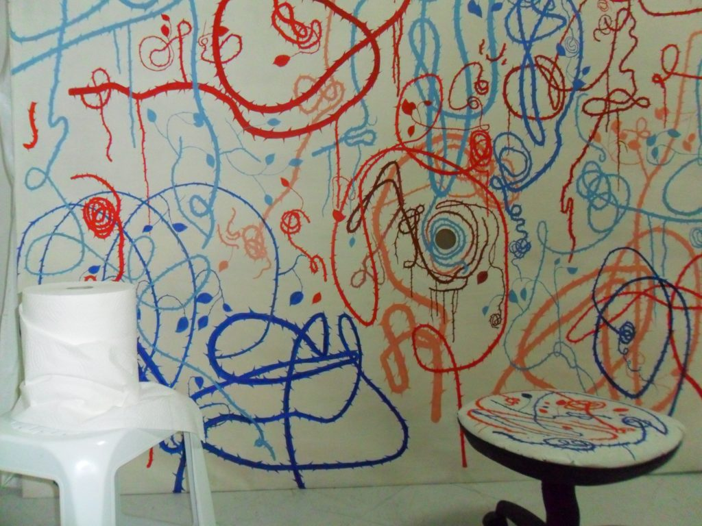 installazione pittorica, olio su tela, e materiali vari. (cm. 200 x 250 x 160)