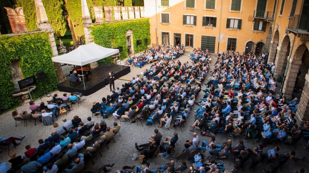 Il Festival della Bellezza nella splendida cornice del Giardino Giusti, a Verona