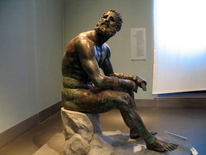 http://linkursore.altervista.org/dopo-8-anni-torna-al-museo-nazionale-romano-la-statua-del-pugilatore-in-riposo/