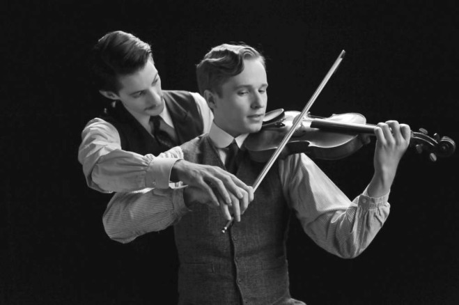 Pierre Niney con Anton von Lucke in Frantz