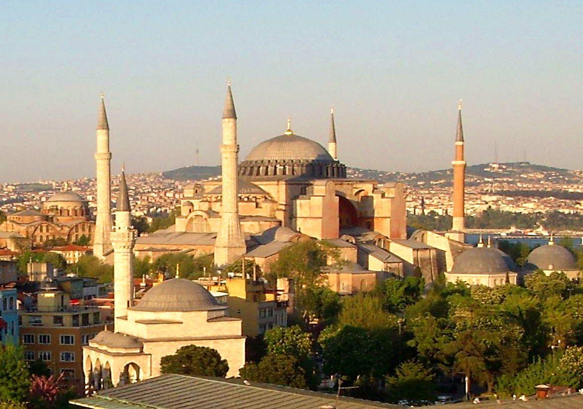 istanbul_-_santa_sofia_-_general