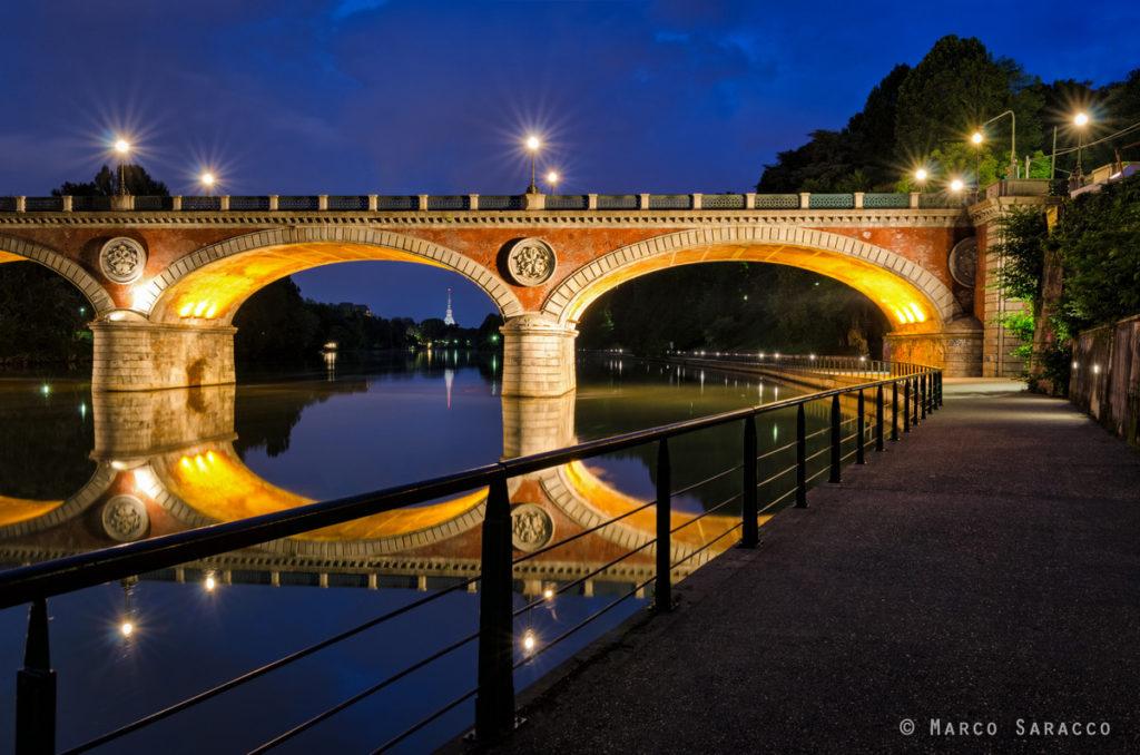 Torino, il ponte Isabella al crepuscolo