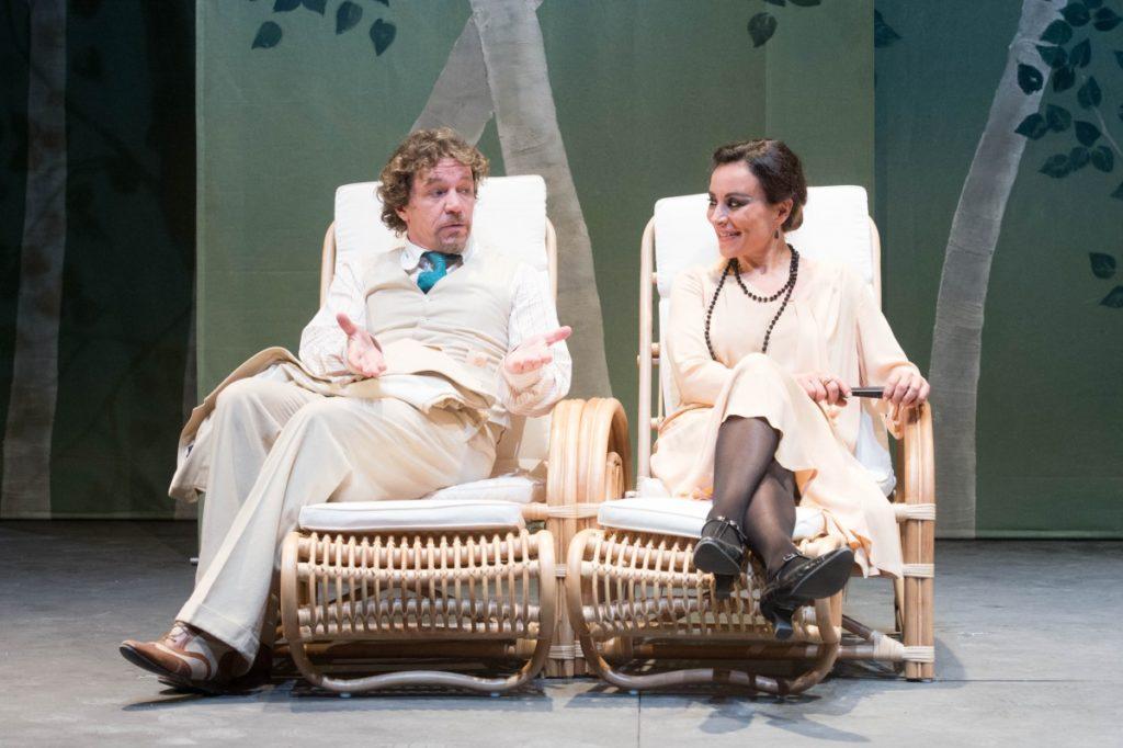 Claudio Mazzenga, Maria Rosaria Carli (foto di Tommaso Le Pera) Fonte: www.teatrostabilegenova.it